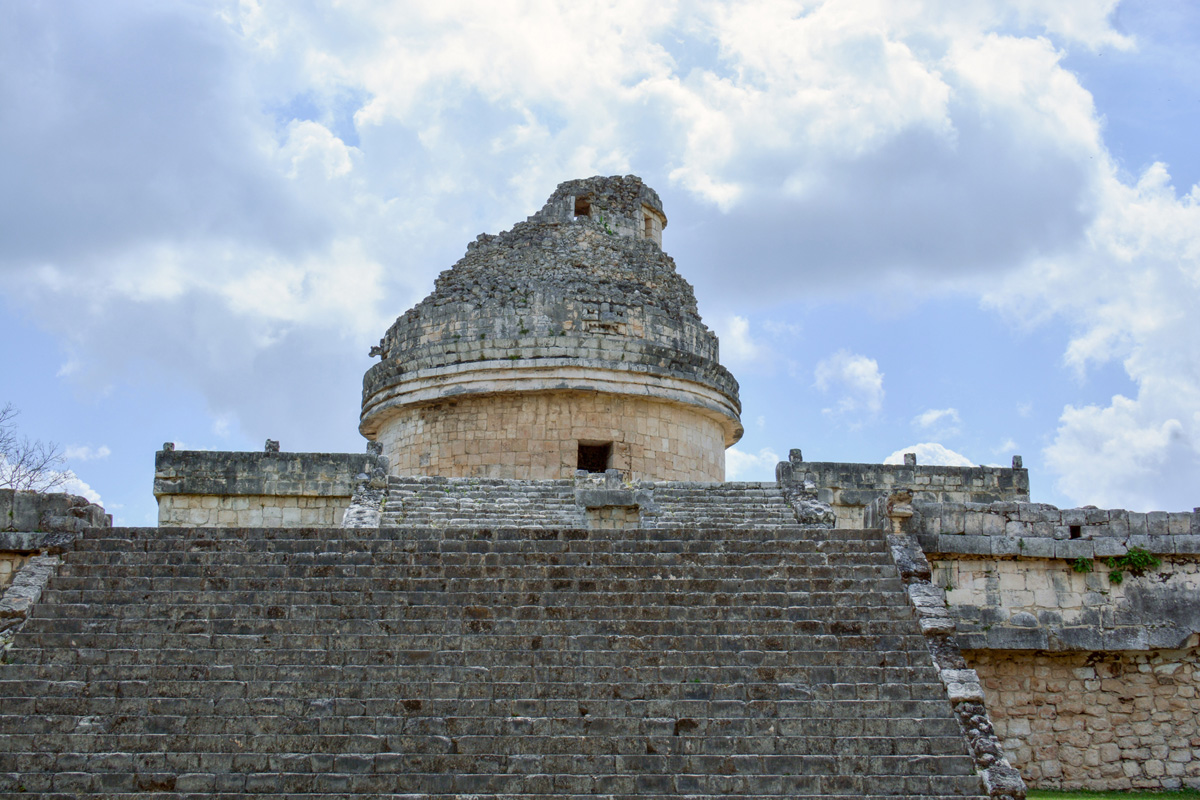 Observatoire de vénus, la guêpe qui danse en langage maya, en raison de son apparition au dessus de l'horizon au fil de l'année